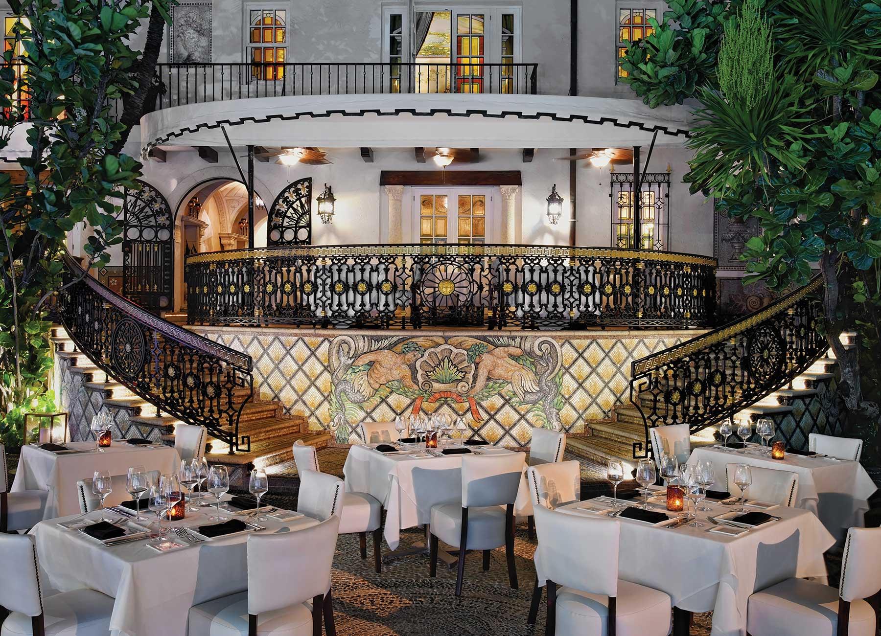 Gianni S Restaurant Blend Of Italian Mediterranean Food The Villa